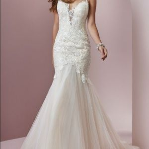 Maggie Sottero/Mary: Brand new w/ Tags - Size 10